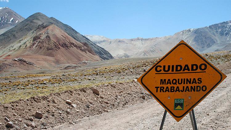 Una empresa minera canadiense admite derrame de más de mil metros cúbicos de cianuro en Argentina