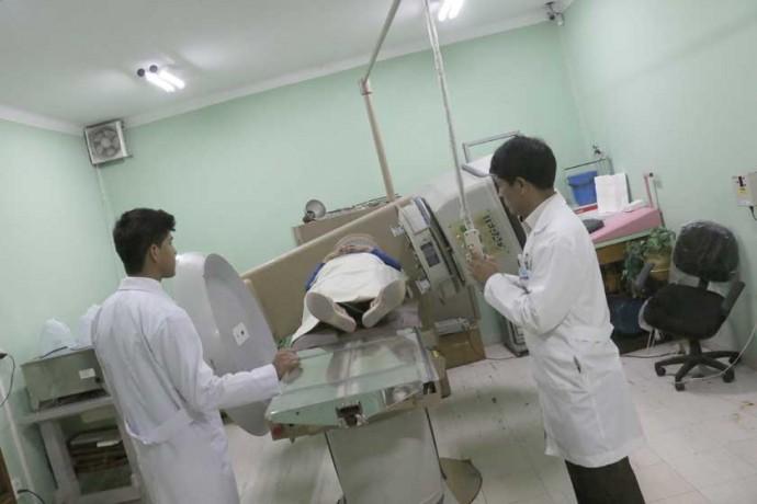 EQUIPAMIENTO. La vieja bomba de cobalto del Instituto de Cancerología Cupertino Arteaga que funciona en el Hospital ...