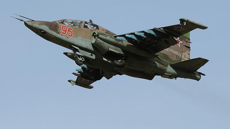 Avión de ataque a tierra Su-25 Grach