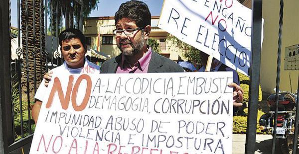 Realizan concentraciones y marchas en rechazo a la reelección de Morales