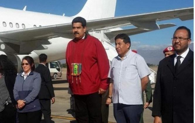 Al llegar a Cochabamba, Mauduro pide a los movimientos sociales unirse para salvar el planeta