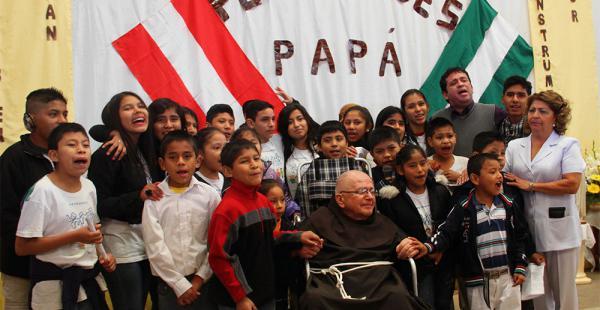 Las aldeas fueron fundadas en 1972 por el padre Alfredo