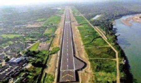 Chimoré, de 21.000 habitantes, estrena gigantesco aeropuerto