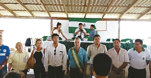 Áñez (con banda) en el acto de posesión realizado en San Javier