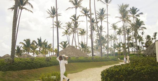 Para consentirlo No importa si está en la playa, en su habitación o en la piscina, el servicio siempre está disponible en todo momento.