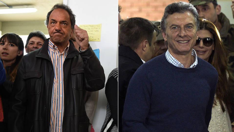 Elecciones 2015: Cerró la votación: final ajustado con posibilidad de balotaje. (David Fernández/Emiliana Miguelez)