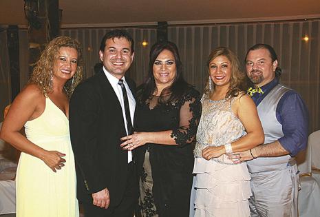 Sandra Aburdene, Osvaldo Bravo, Susana Asbún, Cynthia López y Santiago Flores se alegraron