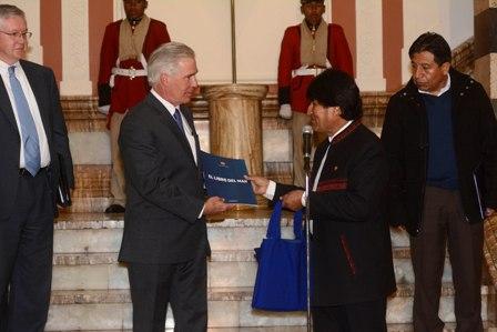 Cuestionan-doble-discurso-de-Bolivia-en-relacion-con-EEUU