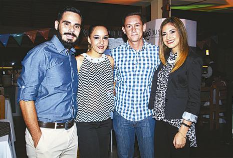 Carlos Araúz, Ana Carola Del Río, Andrés Antelo y Diana Ribera, ejecutivos de la unidad Tigo Business, que organizó la noche mexicana