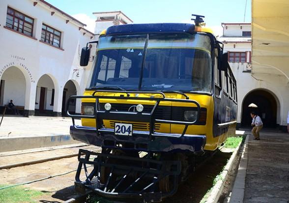 El solitario bus carril en la estación de trenes que viaja al cono sur del departamento por parte de la antigua red del ferrocarril. - José Rocha Los Tiempos