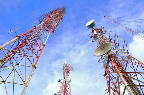 Antenas en forma de torre que se utilizan para las telecomunicacioines Foto:Internet