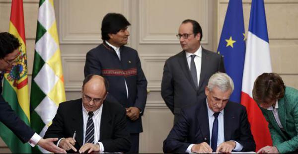 El ministro de Defensa firma el contrato con la empresa francesa que proveerá de los radares a Bolivia