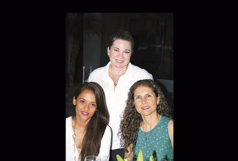Wendy Valverde, Vanessa Koczy y Hortensia Velasco