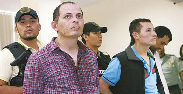 organización internacional los autores golpeaban, sacaban el dinero del país y volvían Juan Carlos García Tirado (primero de la izquierda) es considerado el cabecilla