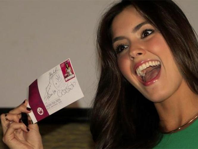 Se pusieron en circulación 9 mil 500 ejemplares de la estampilla con el rostro de la monarca Paulina Vega Dieppa por un valor nominal de 20 mil pesos (unos 6,5 dólares). (EFE)