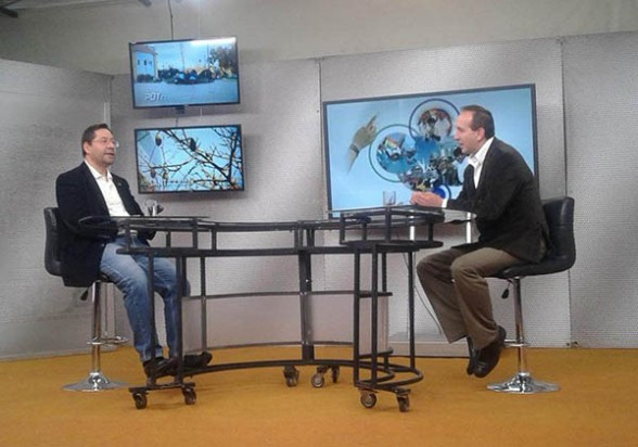 Luis Arce (izq.) ayer durante la entrevista con el programa El Pueblo es Noticia. | el pueblo es noticia -     Los Tiempos