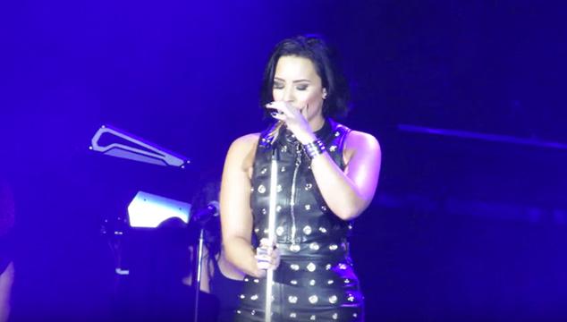 """imagen Demi Lovato hizo un cover de """"Hello"""" de Adele y le quedó increíble (VIDEO)"""