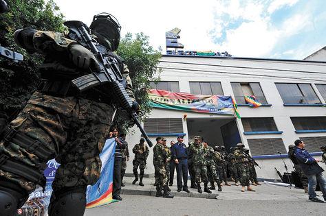 Militares toman control de las eléctricas nacionalizadas en La Paz, 29 de diciembre de 2012