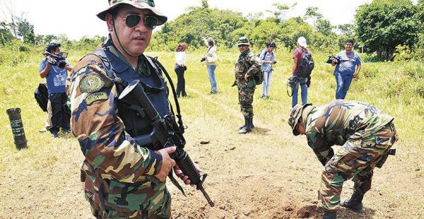 Una de las pistas clandestinas para vuelos narcos fue inutilizada ayer con detonaciones de explosivos