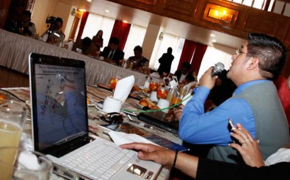 INFORME. El viceministro Jaime Durán detalla a los periodistas el contenido del Presupuesto. - . APG Agencia