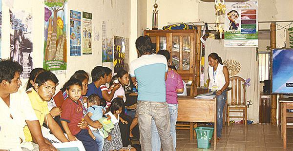 Por un convenio entre la Alcaldía de San Javier, el Segip y el Sereci, muchos pobladores se benefician con la dotación del certificado de nacimiento y la cédula de identidad, también se puede acceder a renovaciones, correcciones y otros trámites que tiene