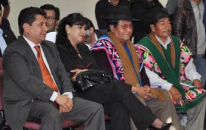 Indígenas protestan por retardación de sus casos en el Tribunal Constitucional