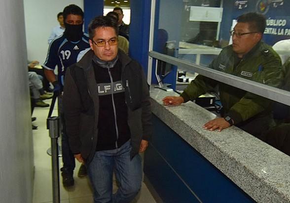Los jueces acusados de extorsión, la anterior semana en La Paz. -   Apg Agencia