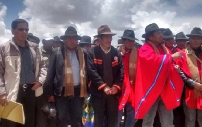 Liberan a dos de los seis funcionarios de la gobernación de La Paz retenidos en Vilaque