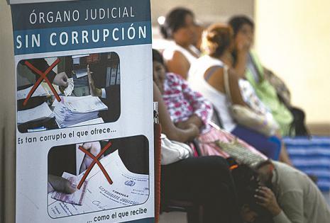 Los carteles que luchan contra la corrupción apuntan a la conciencia ciudadana como principal arma