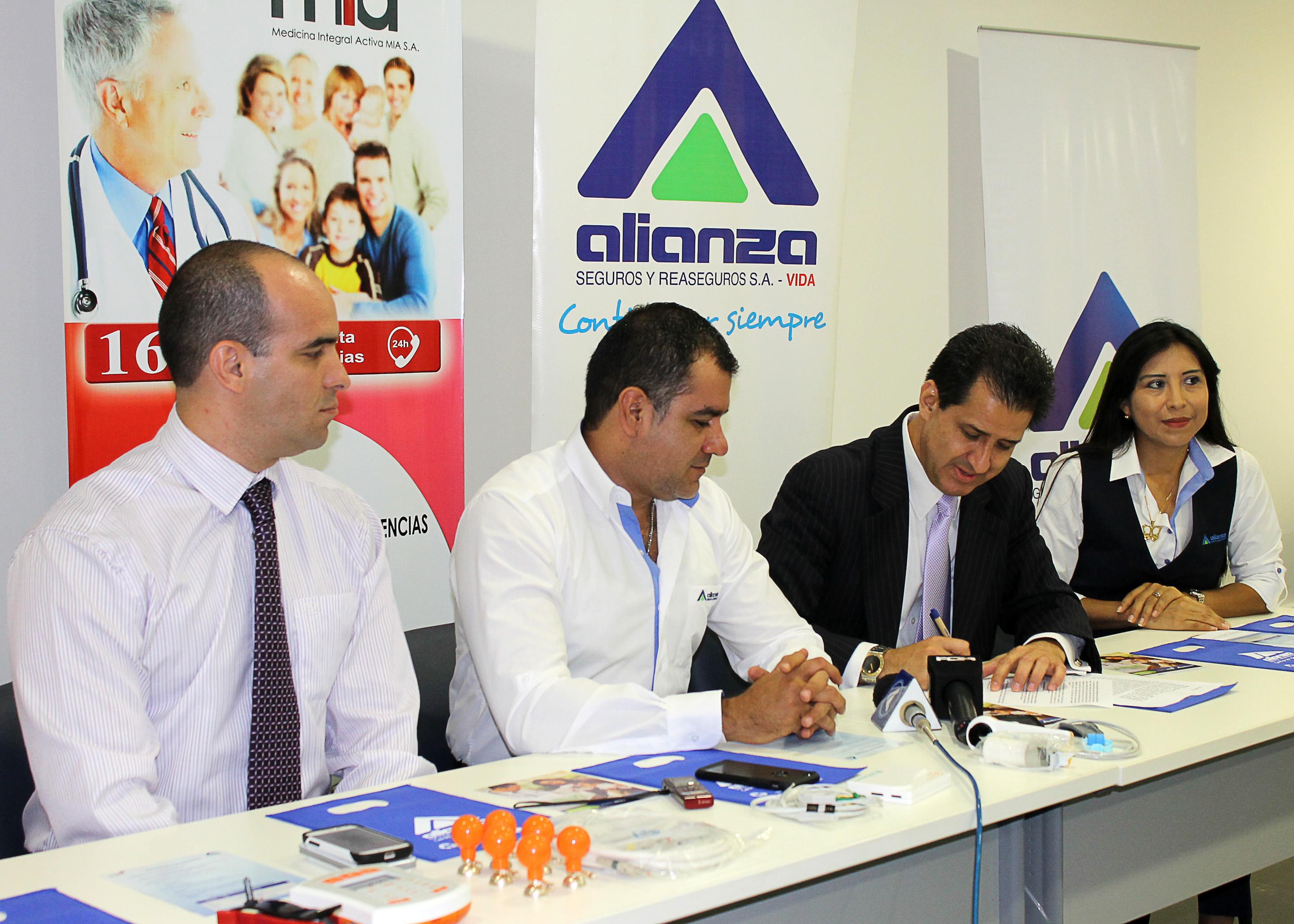 Firma del convenio Alianza-MIA