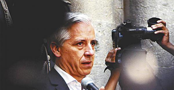 El vicepresidente Álvaro García Linera explicó las razones por las que, según él, se debe votar por el Sí a la re-reelección presidencial