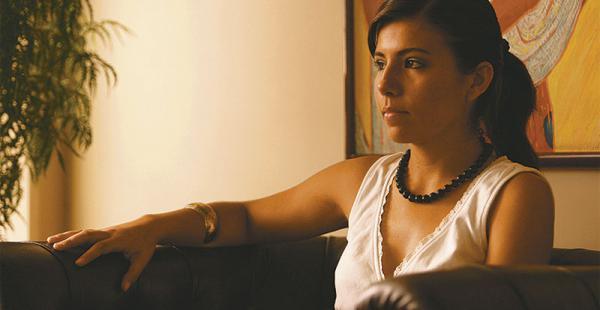La escritora boliviana Emma Villazón, fallecida el año pasado, forma parte del dossier con un poema y un texto sobre la poesía