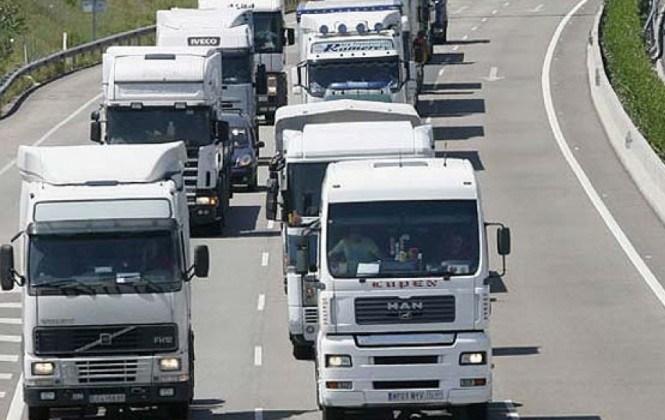 Transportistas bloquean cuatro puntos fronterizos