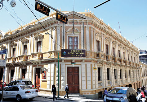 Palacio-frontis-edificio-Gobernacion-Paz_LRZIMA20150207_0020_11