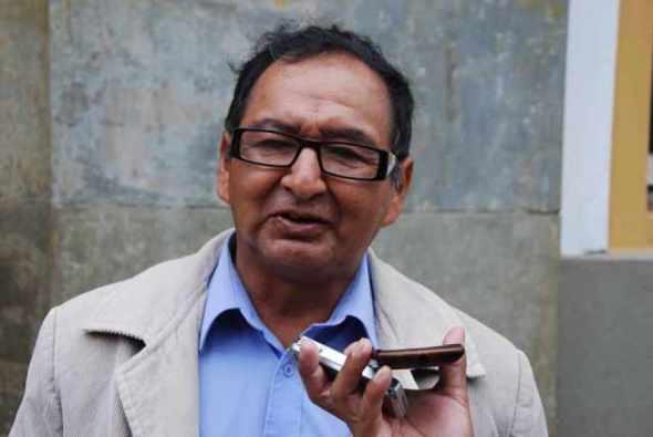 Lino Condori reaparece para criticar al Gobernador