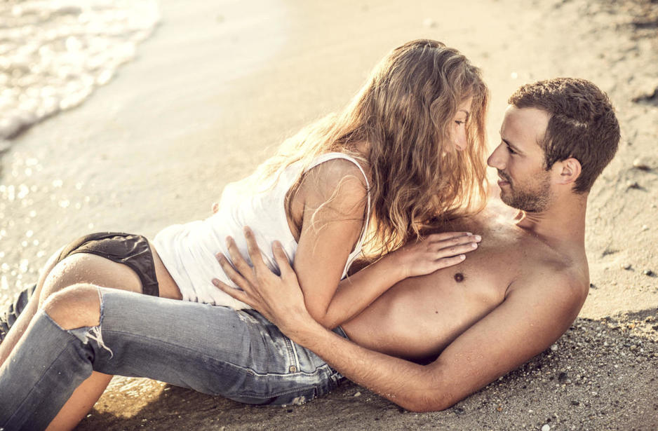 Hemos dicho en la playa pero nada de que tenga que ser de noche. (iStock)
