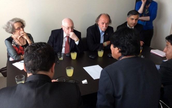 Las reuniones de trabajo del grupo de La Haya comenzaron el martes en Santa Cruz