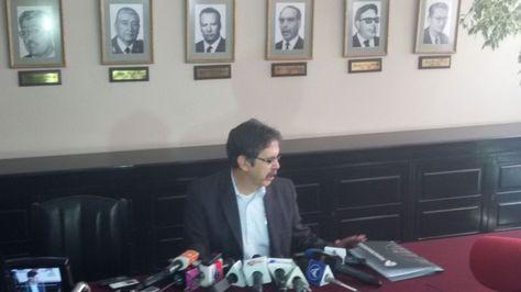 El contralor Gabriel Herbas brindó una conferencia de presna en su despacho sobre la investigación a los contratos que firmó el Estado con la empresa CAMC