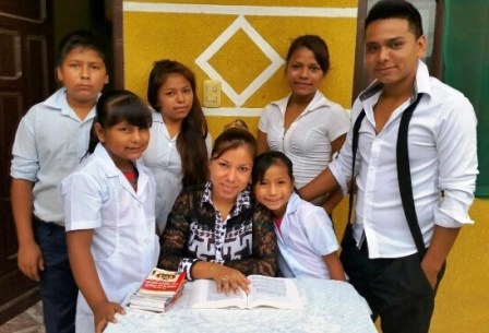Subastan-obras-de-arte-para-ayudar-a-Maria-Fernanda