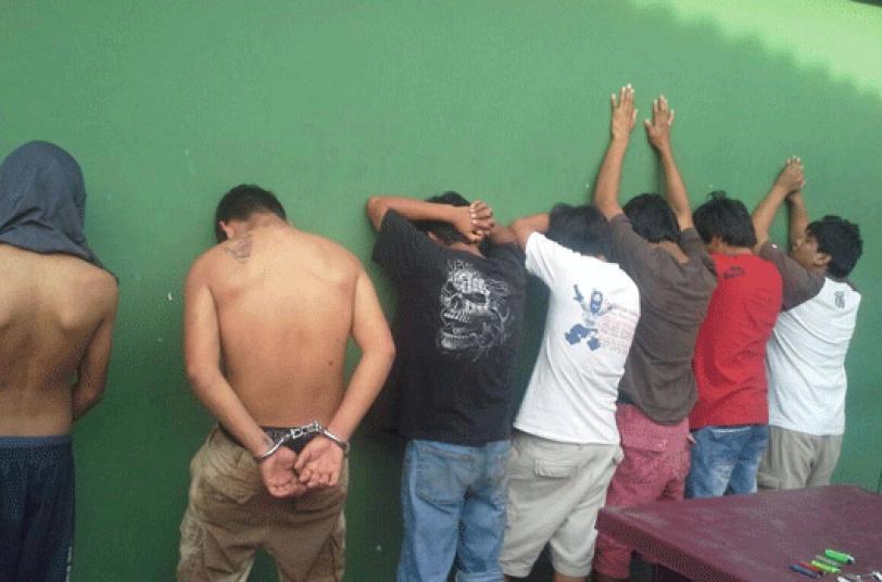 DETENIDOS. Los pandilleros están ahora en celdas del Comando Policial del Plan 3.000.