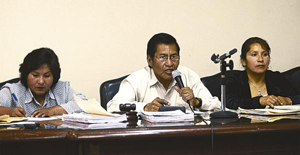 El tribunal paceño que lleva adelante el juicio asegura que desconoce el tema de la desaparición de pruebas documentales y testificales