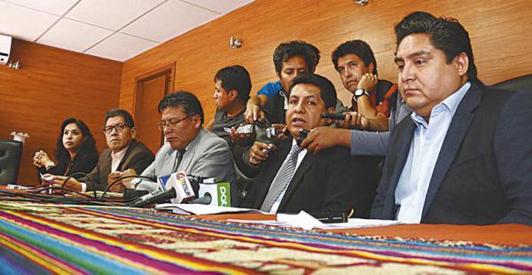 La sala plena del Tribunal Constitucional Plurinacional se encuentra sin cuórum debido a que cuatro magistrados están de viaje a China