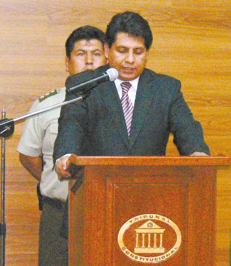 Sucre. El magistrado del Tribunal Constitucional Ruddy Flores, en una conferencia.