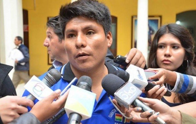 Cocaleros presentarán proyecto de ley al Legislativo para regular las redes sociales