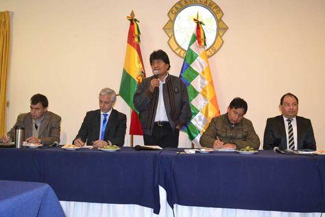 El presidente Morales instala el gabinete ampliado en Huajchilla. Foto: ABI