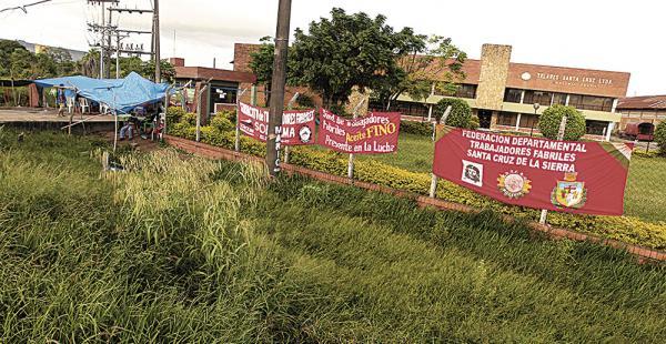 En Telares Santa Cruz atribuyen que el paro laboral que lleva más de 49 días apuró la disolución de la compañía