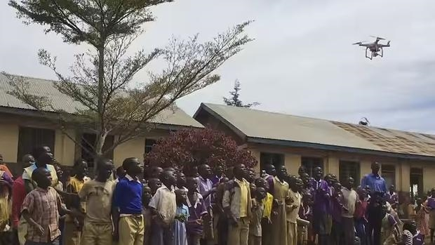 dron-ninos-africa--620x349