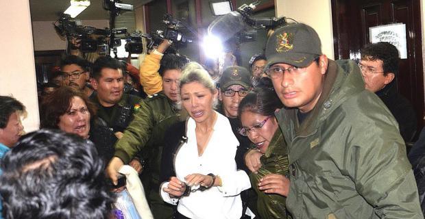 Zapata es enviada a prisión