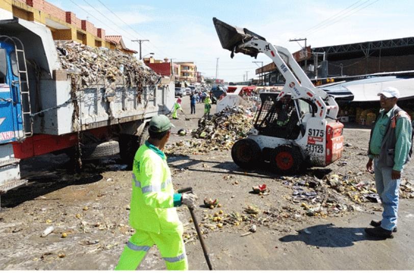 BASURA.  Por día, un mercado produce entre 20 y 30 toneladas de basura equivalente al 20% del total de residuos recolectados.