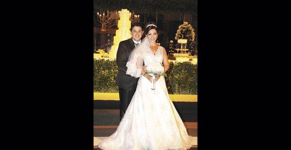 Manuel Medina y Geraldine Estívarez en su primer día como esposos